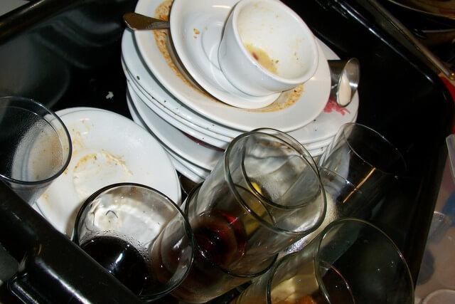 Geschirr stehen lassen - Aufschieberitis nach der Arbeit